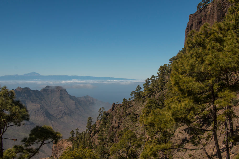View from the break off edge behind El Castillete to Tenerife and Teide