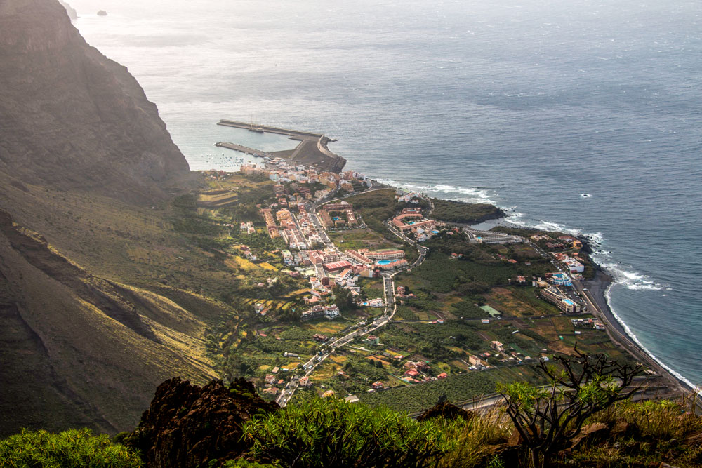 View to La Calera and Vueltas with the harbour