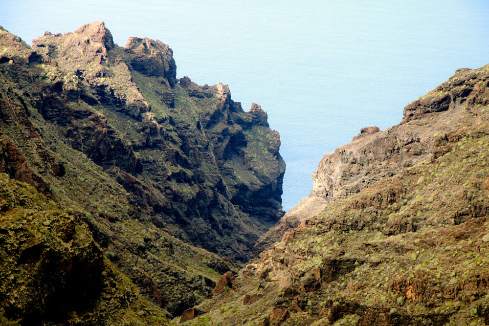 The Barranco Seco is green and not as dry as its name might suggest.