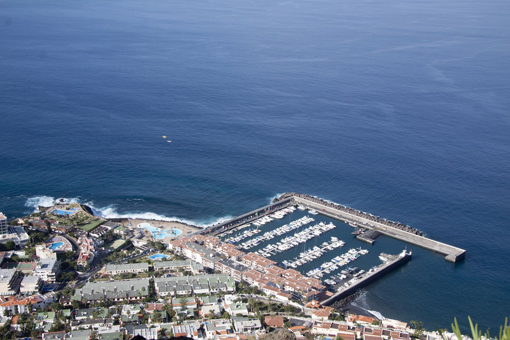the habour of Los Gigantes
