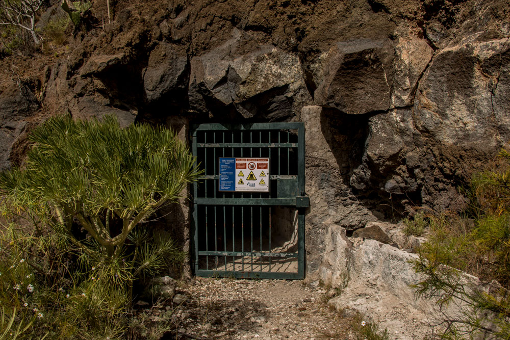 Gate of the upper tunnel between Barranco Seco and Barranco Santiago