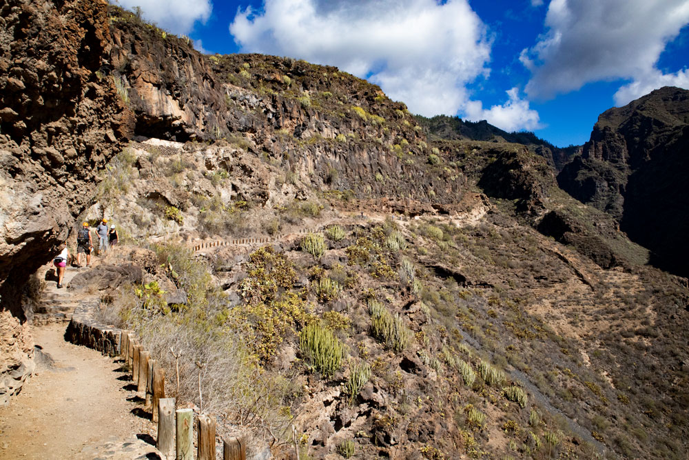 hiking path - Barranco del Infierno