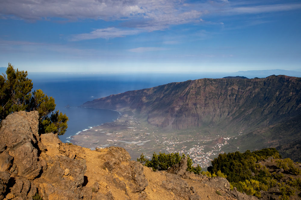 View on the El Golfo valley from the Malpaso - in the background La Palma