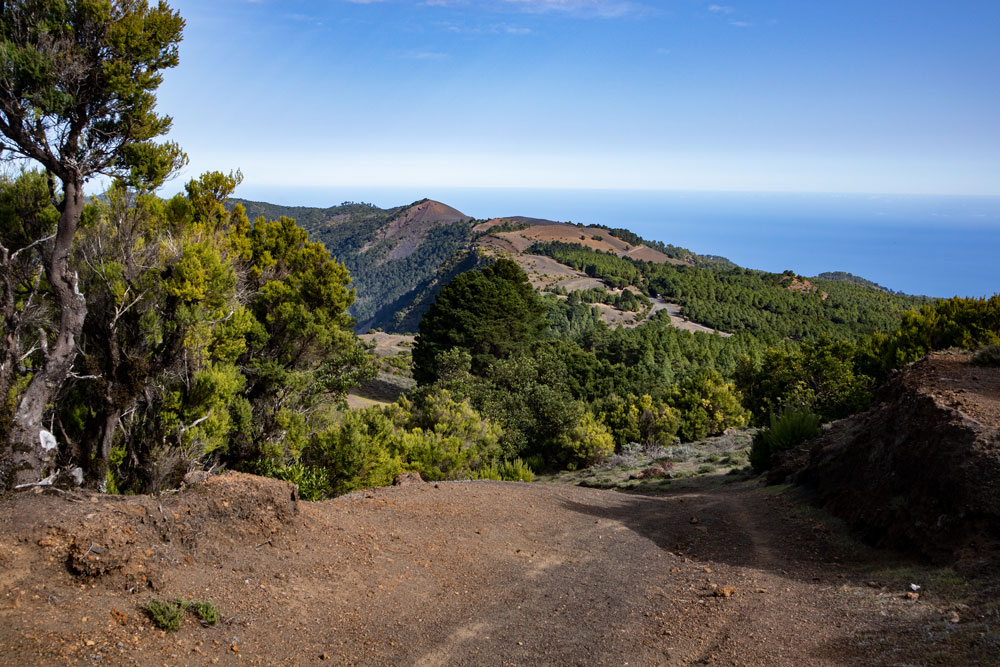hiking path over the Cumbre from Malpaso direction North