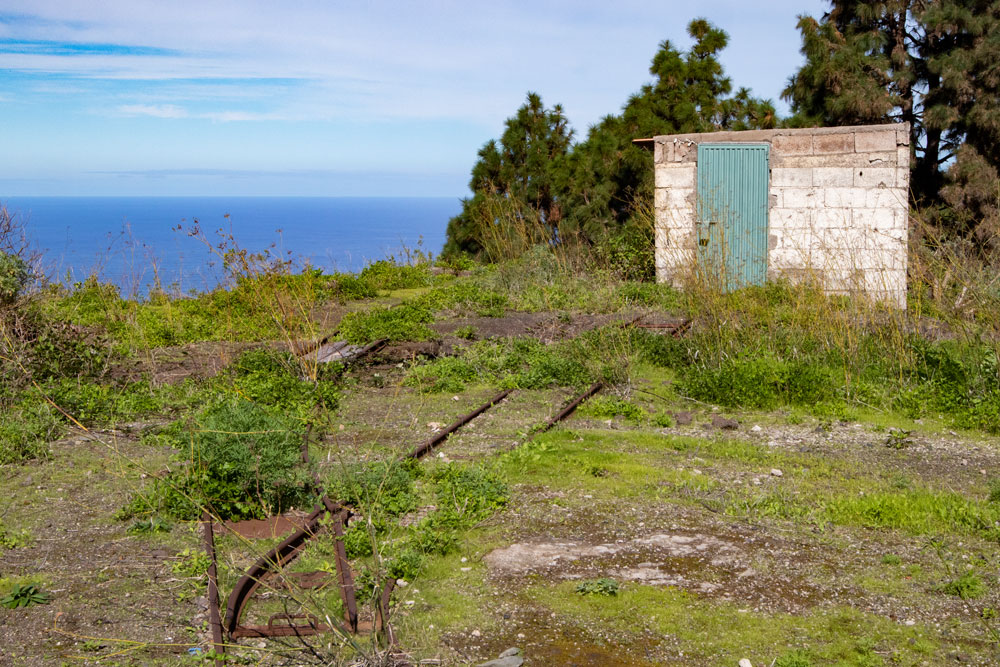 Trip to a Mirador and old tracks