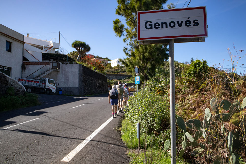 hiking on the street in Genovés