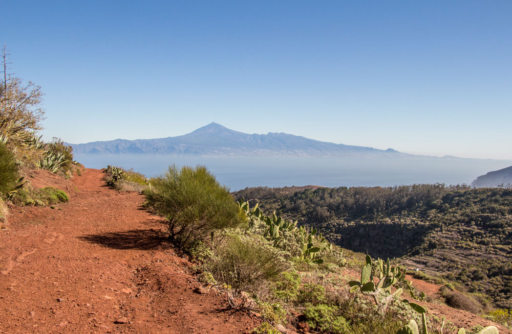 hiking path with view on Tenerife