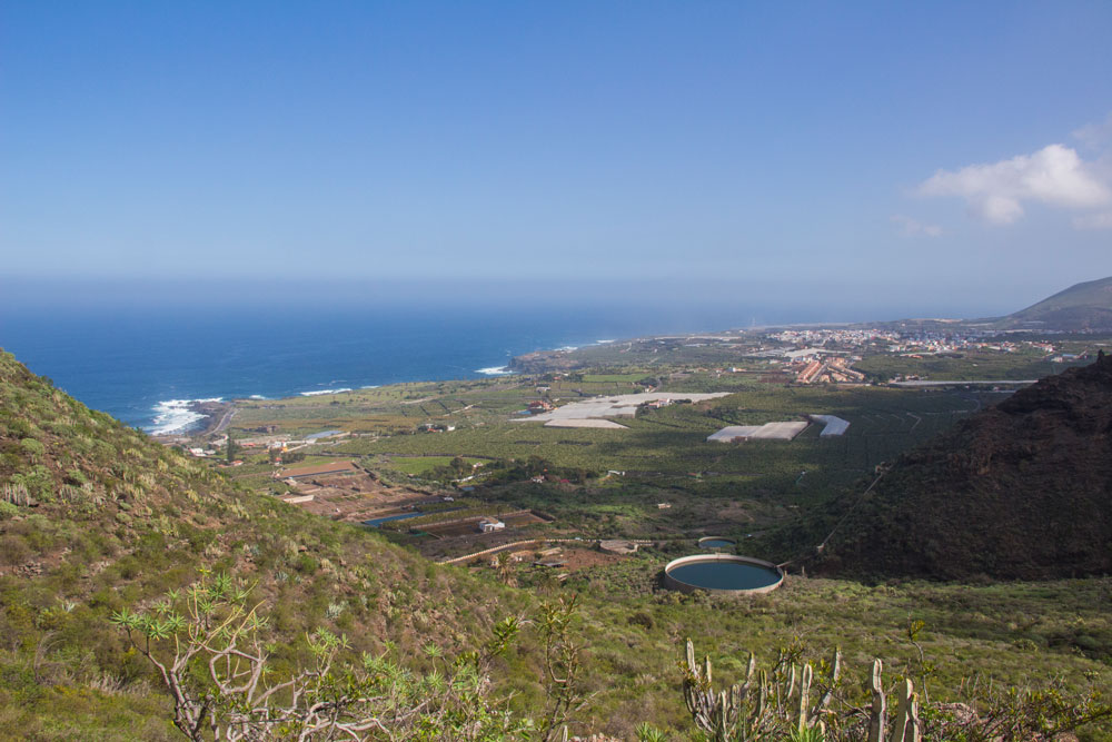 view back from the Risco Steig to Buenavista and the sea