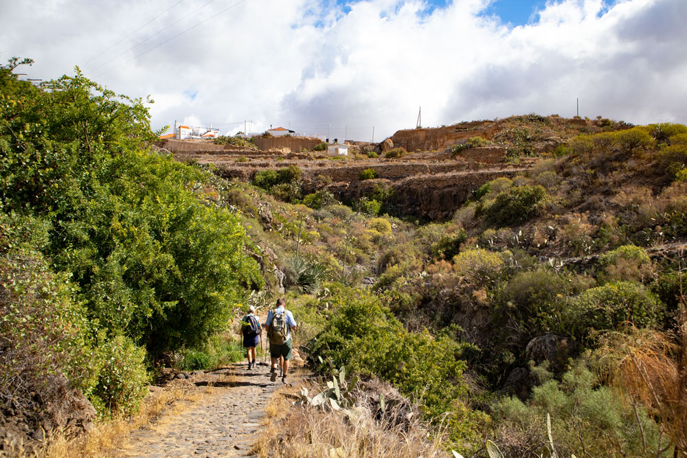 hikers on the trail - Aldea Blanca