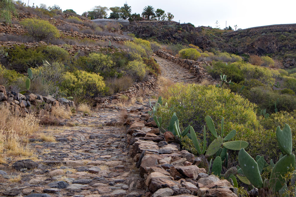paved path up to San Miguel