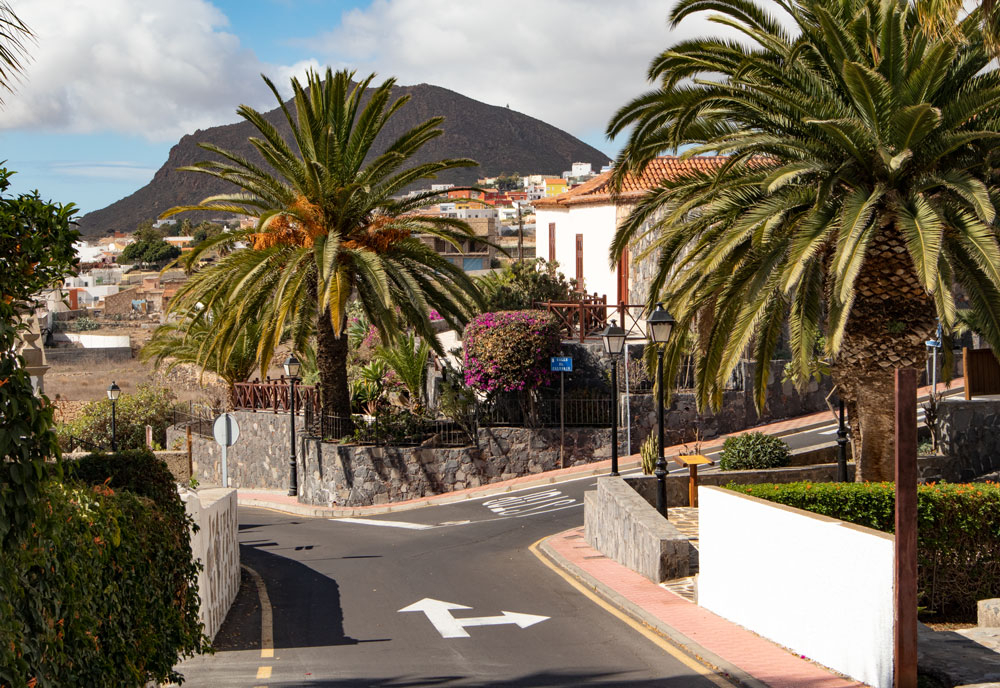 hiking path at the street - San Miguel de Abona