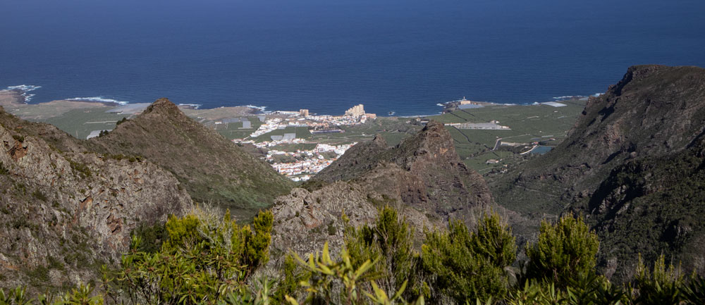 Panorama - view down to Punta del Hidalgo