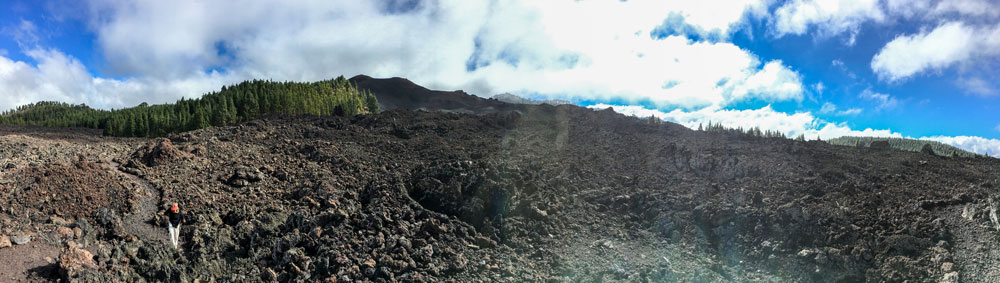 Chinyero - hiking route through the Lava stream