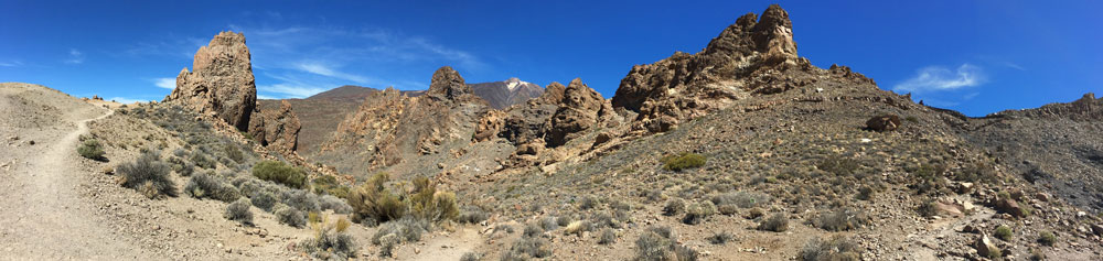 Panorama - Hiking trail around the Roques de García with Teide in the background