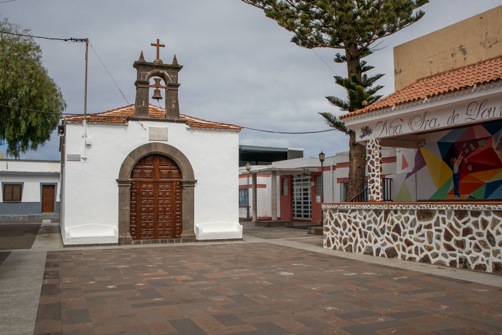 church and square in La Tierra del Trigo