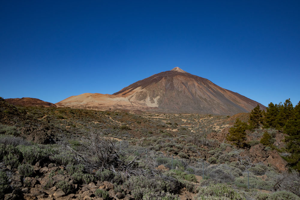 Teide and Montaña Blanca - view from El Portillo