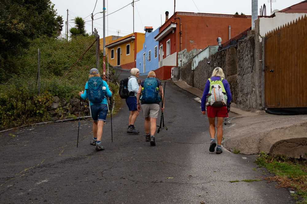 Hiking trail through small villages - Fuente La Vega