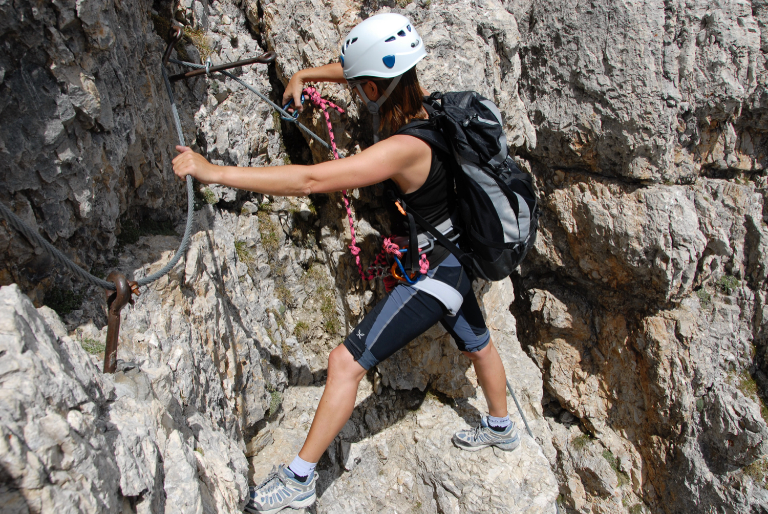 climbing woman - not possible in phase 1