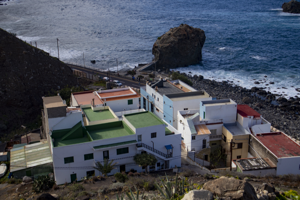 the hamlet Almáciga with many small fish restaurants and the Roque de Bodega